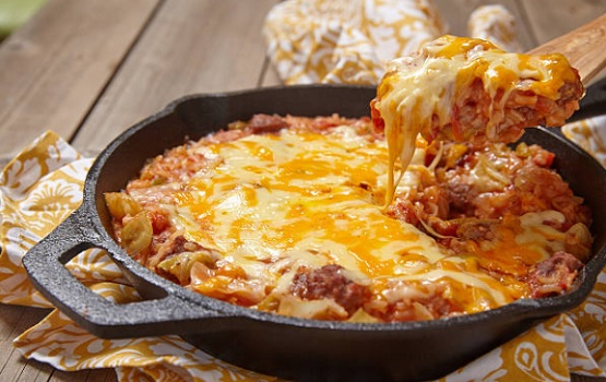 Cabbage and minced meat casserole